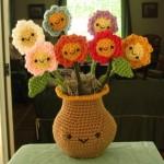 örgüden ilginç vazo ve çiçek yaratıcı fikirler