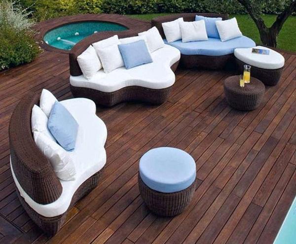 Hasır görünümlü bahçe mobilya örneği