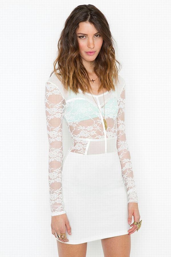 beyaz transparan dantelli elbise