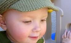 Çok Cici Örgü Bebek Şapkaları