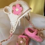 kulaklıklı gül motifli bebek şapkaları