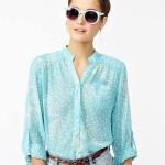 mavi üzeine beyaz yıldızlı gömlek modeli