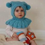 mavi iki kulaklı ponponlu bebek beresi modeli örneği