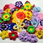 tığ işi rengarenk çiçek motifleri