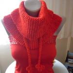 turuncu örgü saçaklı boyunluk modeli örneği