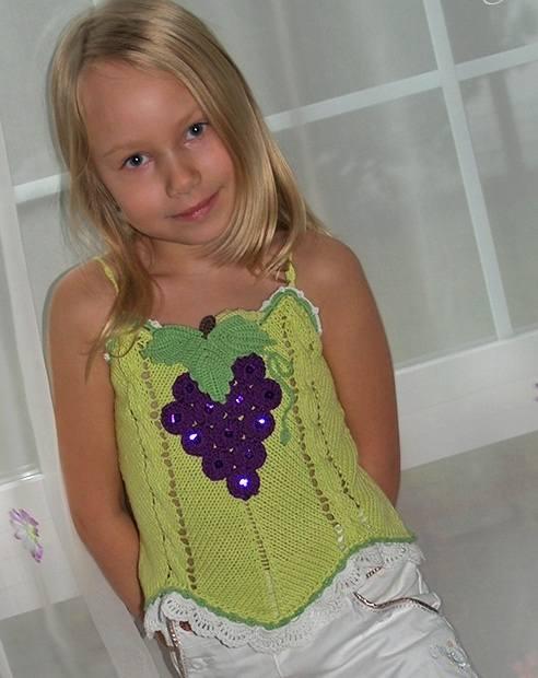 üzüm salkımı detaylı örgü askılı yelil çocuk bluzu modeli