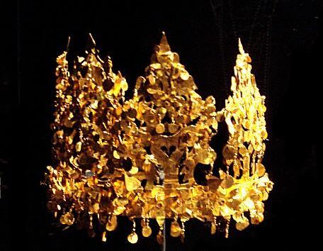 en değerli altın kraliçe taçları