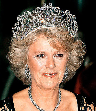 gerçek kraliçe tacı örnekleri