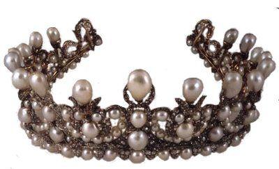 incili kıymetli kraliçe tacı örnekleri