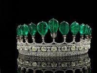 pahalı ve kıymetli kraliçe taçları