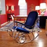 parlement mavisi kadife metal ayaklı sallanan koltuk modeli
