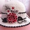 örgü çiçek motifli şapka modelleri bayan