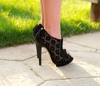 en güzel siyah platform topuklu ayakkabı modelleri