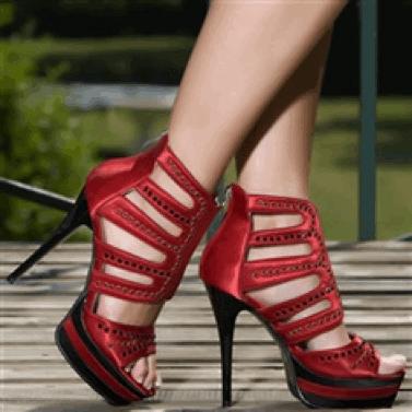 Kırmızı platform topuklu ayakkabı modeli