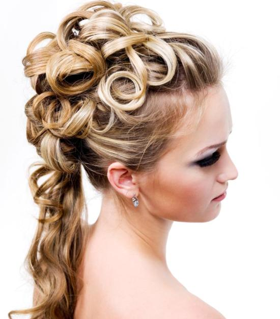 bukleli toplanmış saç