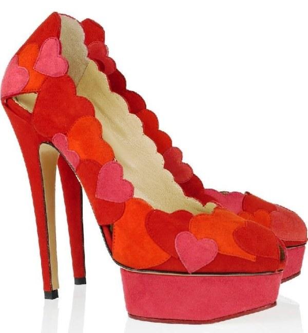 kırmızı abiye kalp desenli ayakkabılar