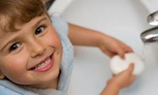 Çocuklarımızı el yıkamaya alıştırmalıyız