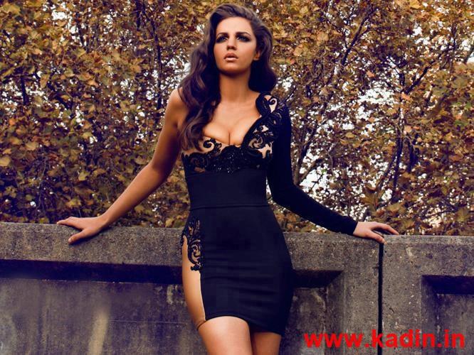 siyah işlemeli çok şık elbise modeli
