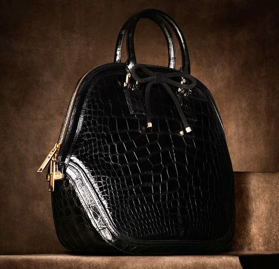 c56f011947415 siyah rugan yılan derisi çanta modeli