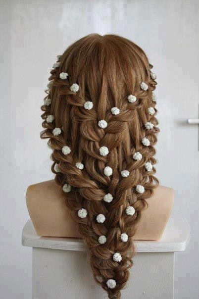 çiçekli örgülü saç