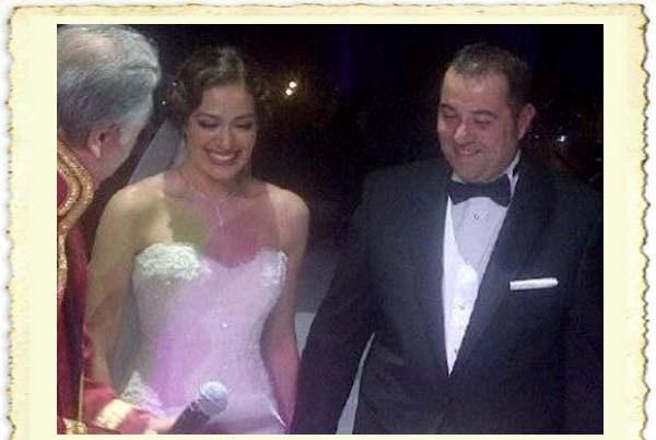 Ata Demirer ile Özge Borak'ın evlilik resmi