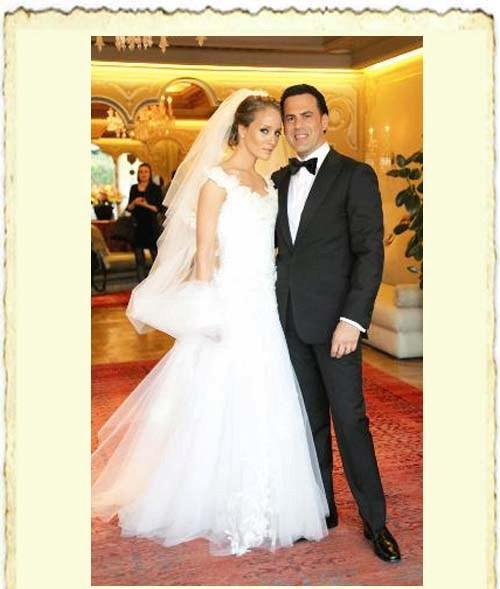 Bade İşçil ile Malkoç Sualp'in evlilik resmi
