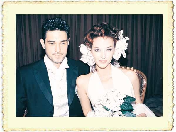 Burak Hakkı ile Sema Şimşek'in evlilik resmi