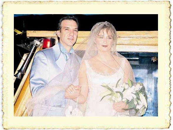 Ceyda Düvenci ile Kaan Girgin'in evlilik resmi