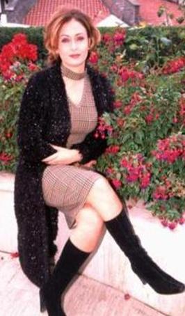 Ceyda Düvenci kariyerine oyuncu olarak devam etti