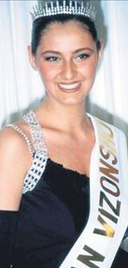 Pınar Altuğ güzellik kraliçesi seçilmişti