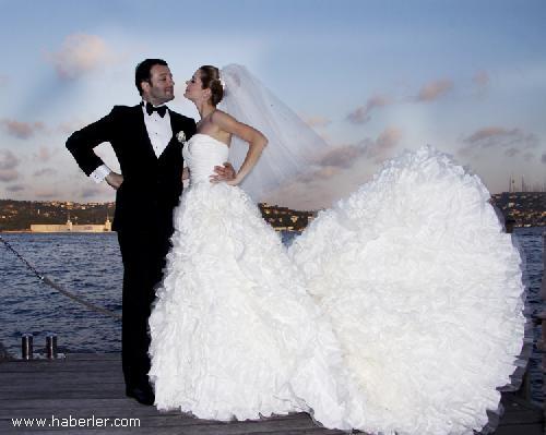 20 Oyuncu Begüm Kütük ve eşi Erdil Yaşaroğlu