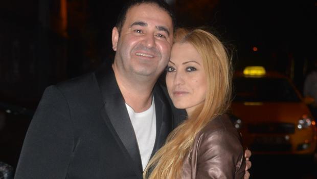 24 Oyuncu Şafak Sezer ve eşi Esra Sezer