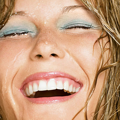 Waterproof fondeten ve makyaj ürünleri
