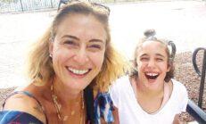 Ceyda Düvenci kızı Melisa ile Amerika'da… 'Masrafları kızım karşılıyor'