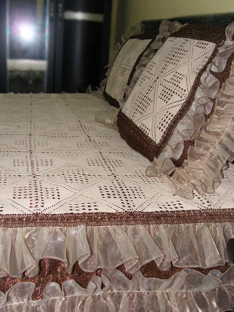 Dantel işlemeli tüllü yatak örtüsü modelleri