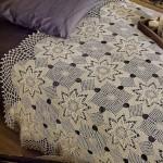 dantel yatak örtüsü modelleri delikli beyaz çiçek motifli