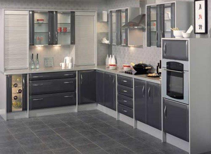 koyu açık gri ton küçük amerikan mutfak modeli