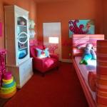 renkli küçük çocuk oda