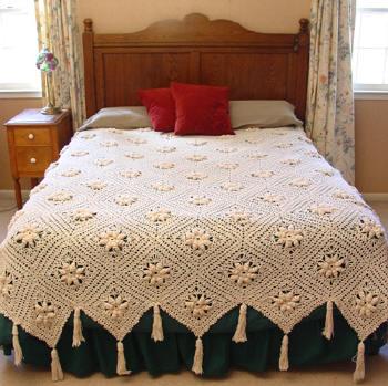 saçaklı dantel yatak örtüleri