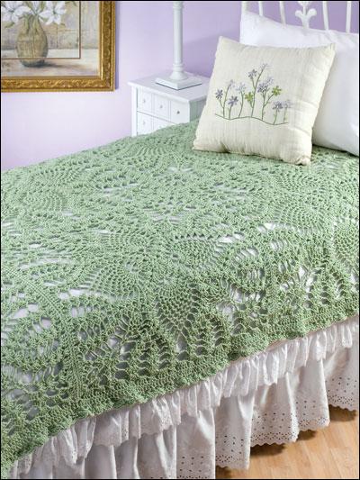 yeşil tığ işi dantel yatak örtüsü